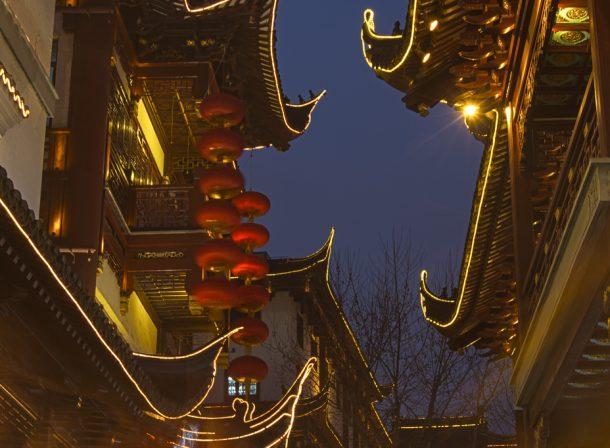 Long exposure of buildings in Yu Yuan Gardens, Shanghai.